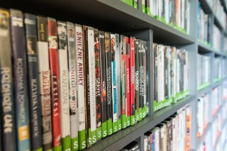 How to calculate discount price for dvd's